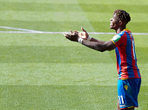 Wilf hands out